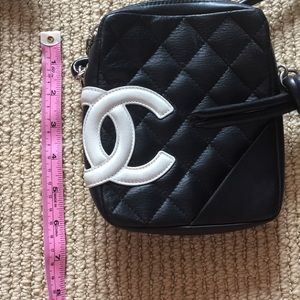 6aadb828cb3cb CHANEL Bags - SALE Chanel Quilted Crossbody EUC AUTHENTIC